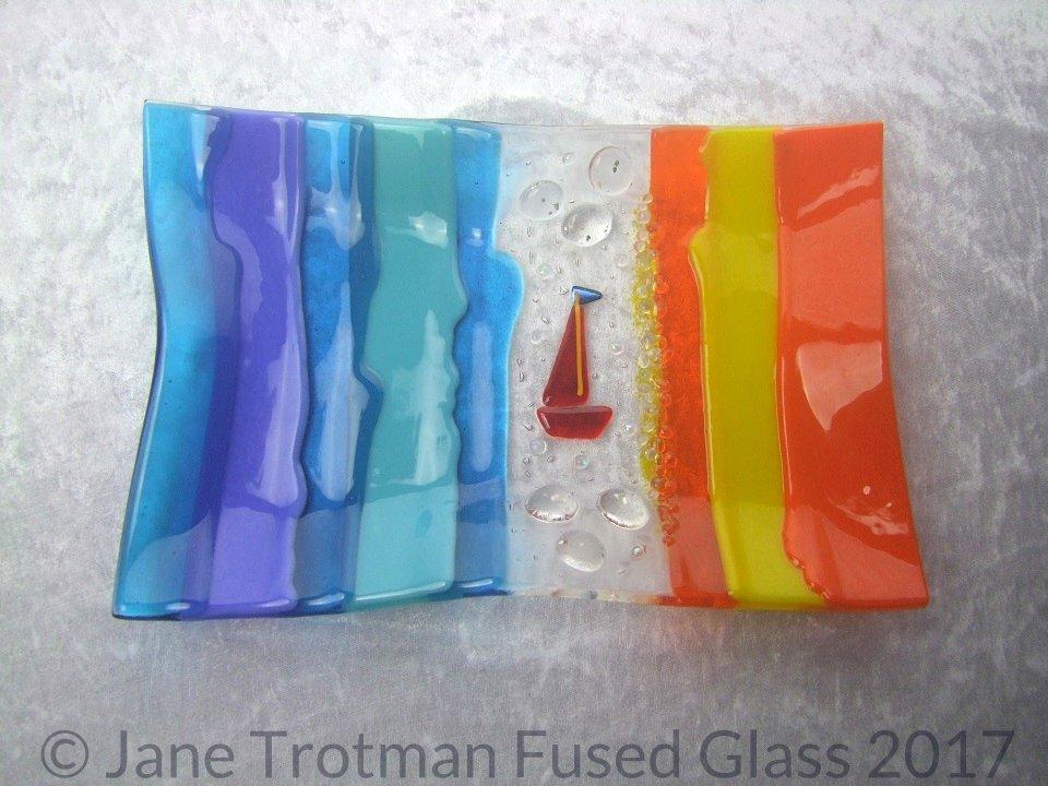 Bright-seaside-fused-glass-dish
