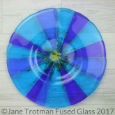 Bright-blue-fused-glass-round-dish